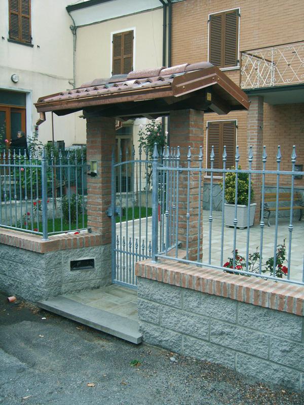 Copri cancello coperture per cancelli su misura for Cancelli di legno per giardino