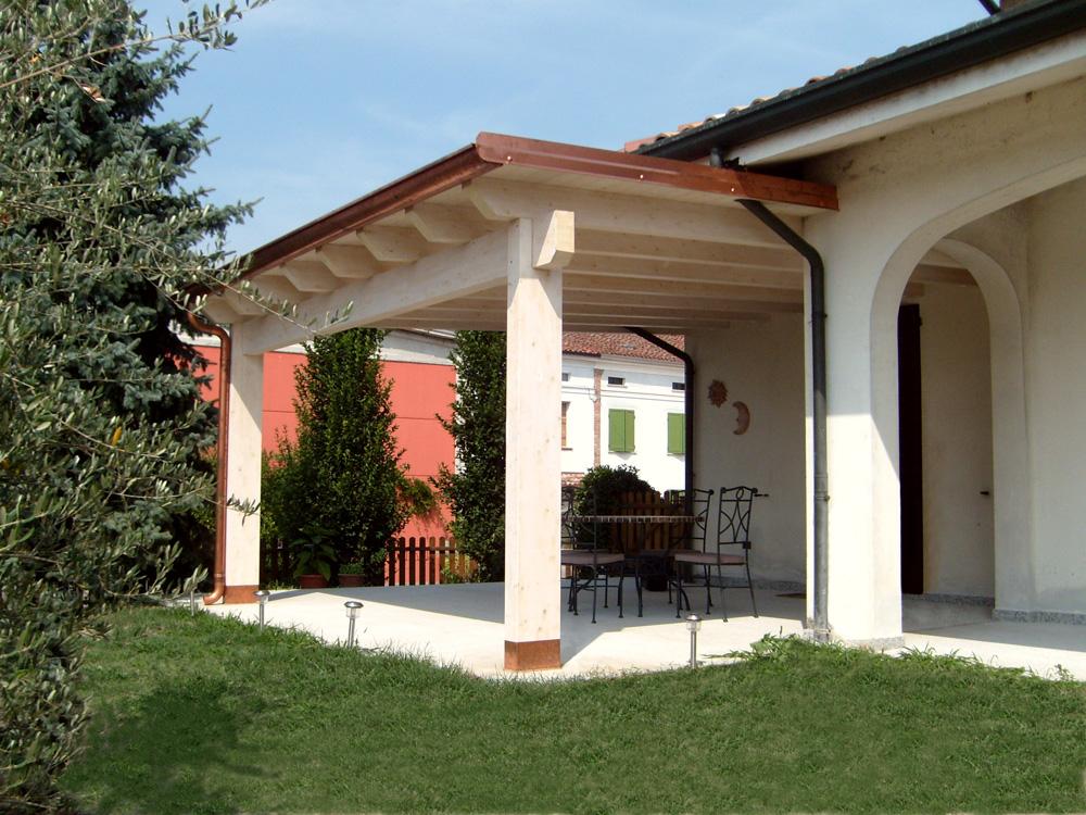 Porticato in legno porticati con colonne su misura e for Foto di portici in pietra