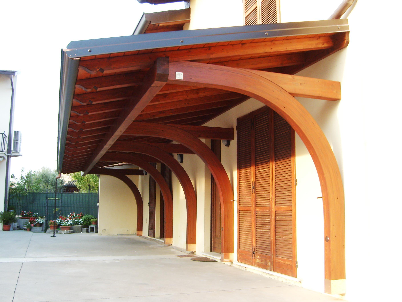 Portico a sbalzo tettoia in legno for Lamellare prezzi