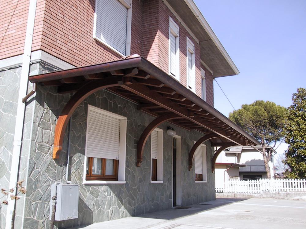 Portico a sbalzo tettoia in legno for Detrazione fiscale stufe a pellet agenzia entrate