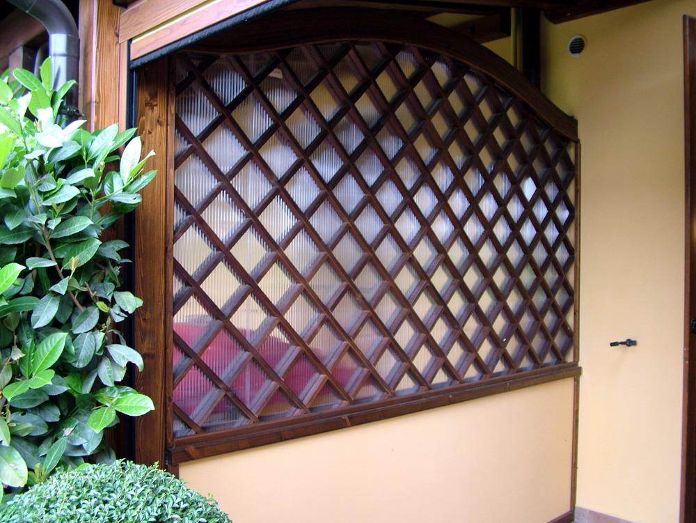 Pareti frngivento chiusure frangivetro for Grigliati in alluminio per terrazzi prezzi